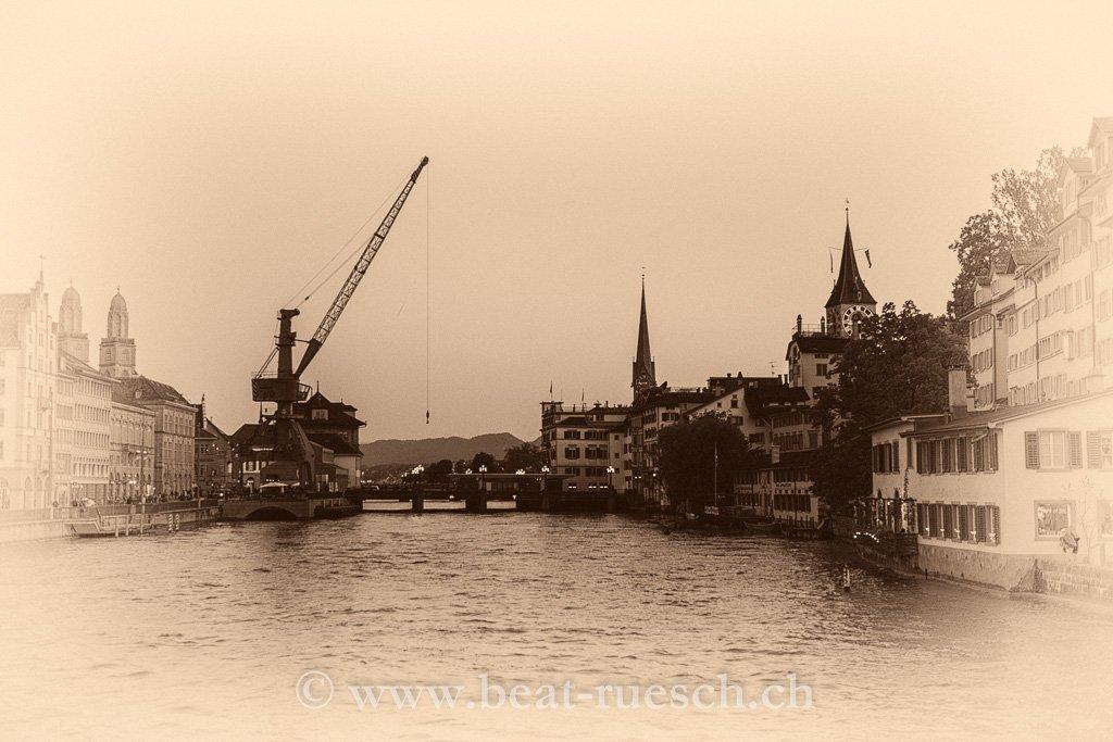 Zürich mit Hafenkran