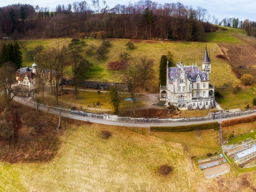 Zweireihiges Panorama Schloss Warth (Drohne)
