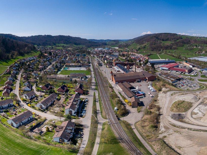 3 reihiges Panorama Pfungen (Drohne)