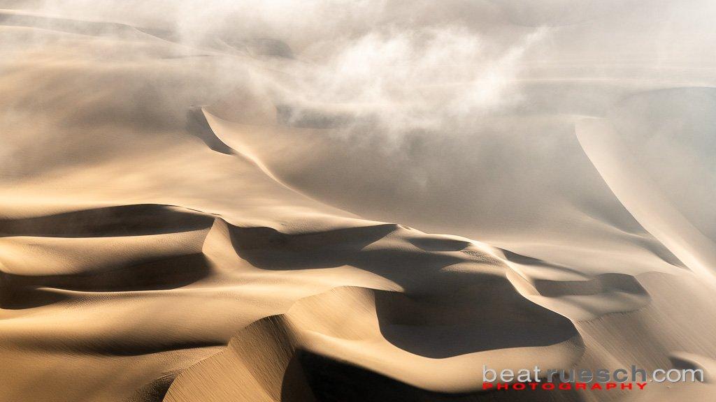Nebel über der Namib Wüste