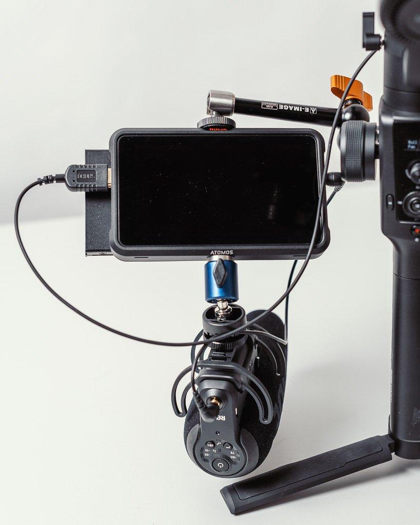 Atomos mit Mikrofonbefestigung
